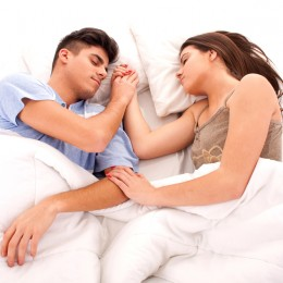 planifica-neprevazutul-pozitii-de-dormit-in-cuplu