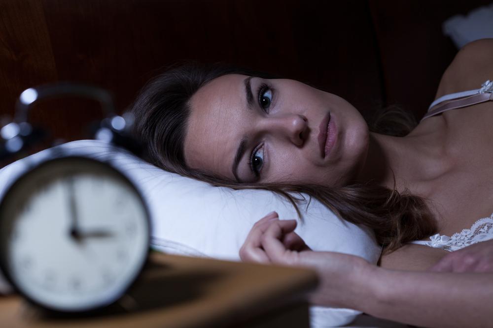 De ce este mai greu să adormi în timpul menstruației?